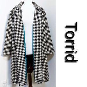 NWT Torrid Houndstooth Black & White Coat